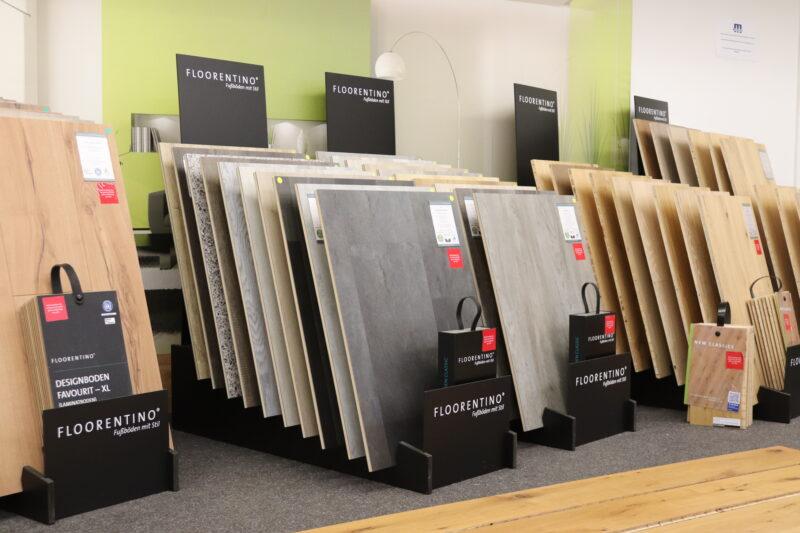 Neben dem klassischen Holzboden (egal - ob Vinyl, Laminat oder Parkett) - finden Sie Steintöne, Betonoptik oder Marmor.